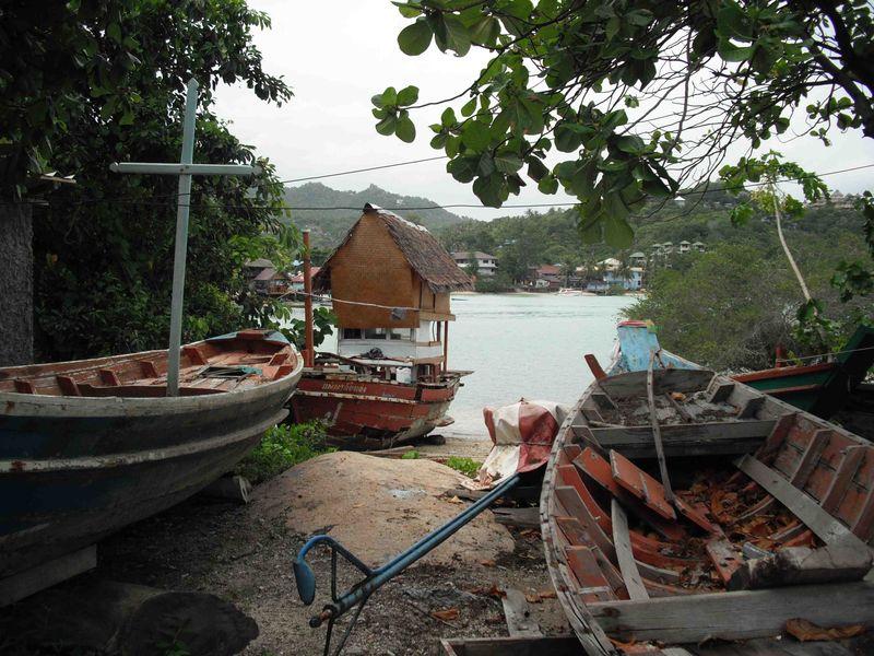 Daniela_509_hut_on_a_boat