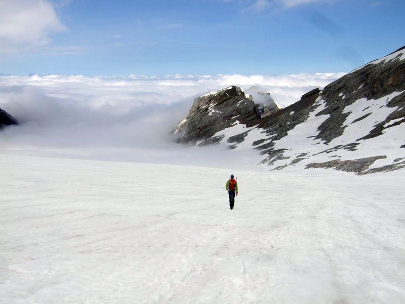 Jeremy descending Glärnisch glacier from Vrenelisgärtli