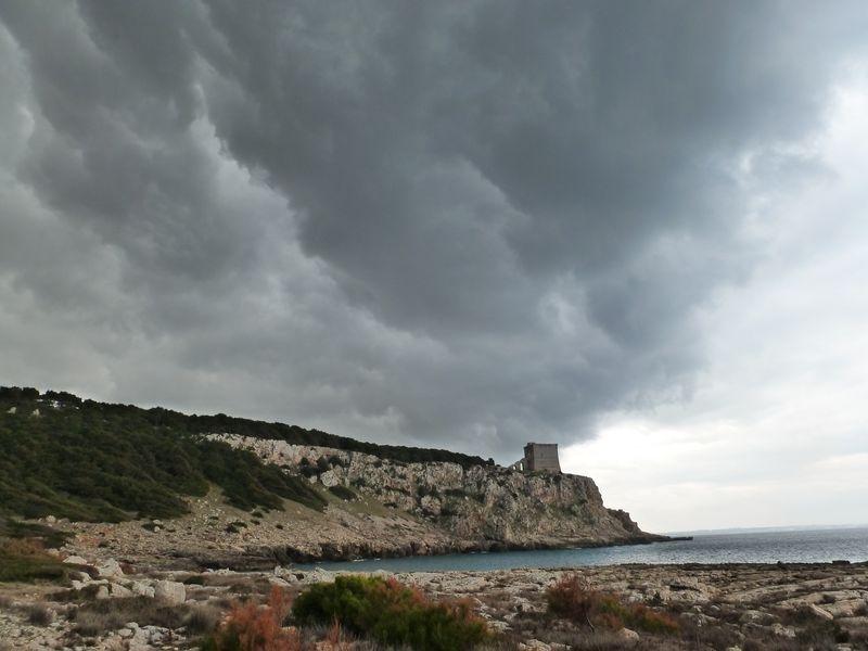P1000322_portoselvaggio_torre_alto_cloud