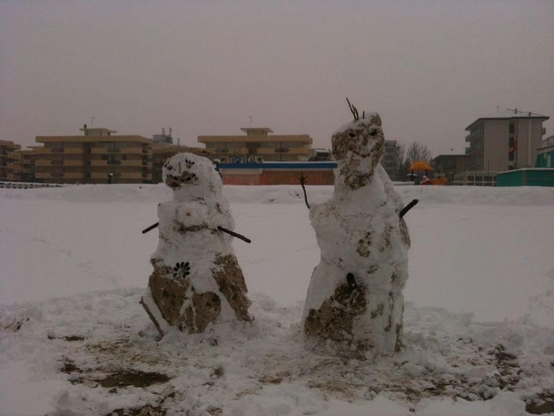 5_cesenatico_snowman_and_woman