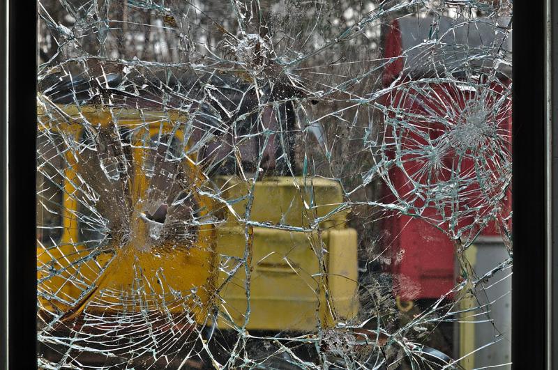 Shattered_window